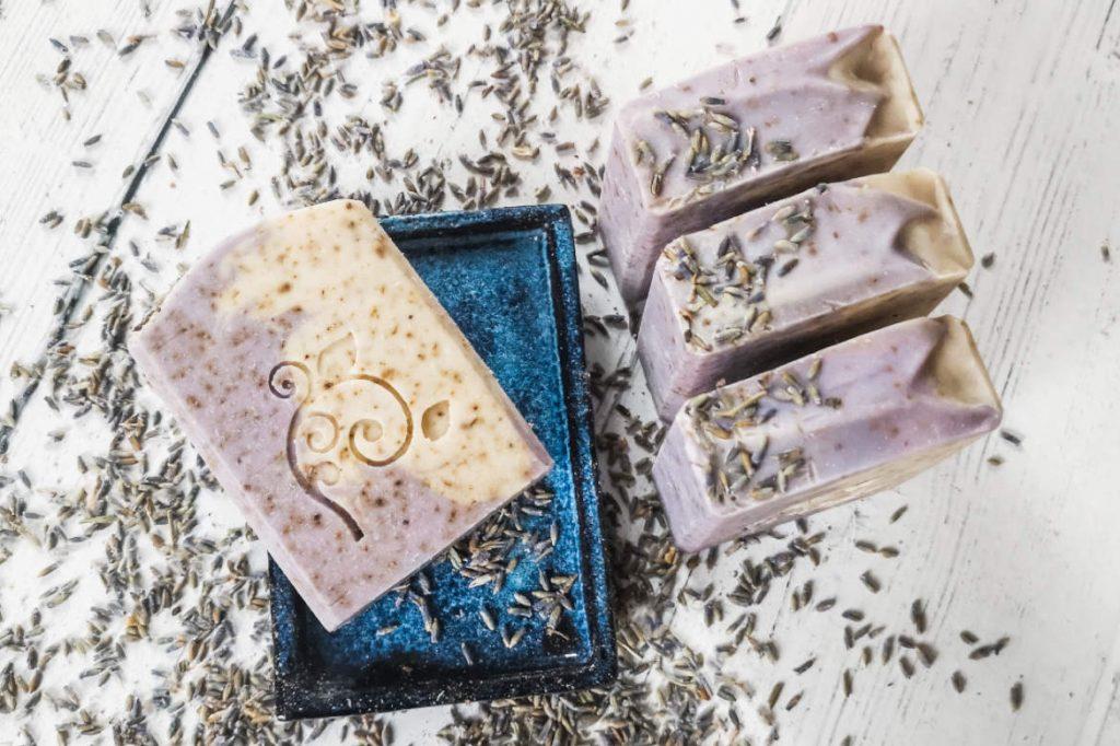 Lavendelseife mit Kokosmilch